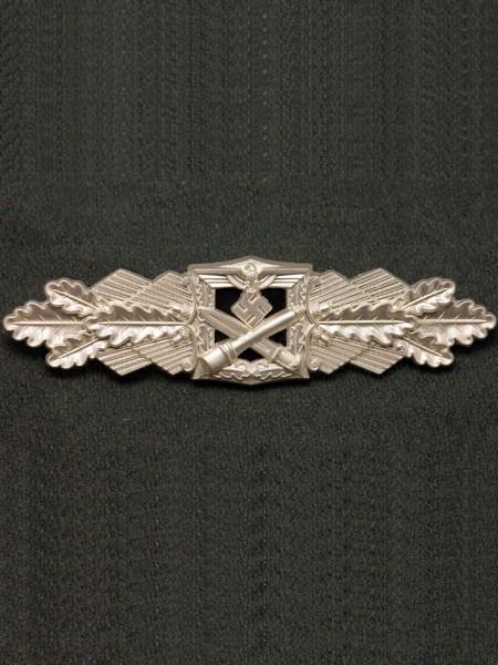 Close Combat Clasp in Silver