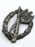 Infantry Assault Badge (Antique Finish) in Silver