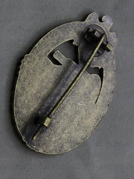 Panzer Assault Badge (Panzerkampfabzeichen) in Bronze