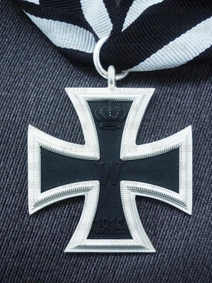 Replica of First War 1914 German Iron Cross 2nd Class (WWI Medals & Awards) for Sale (by ww2onlineshop.com)