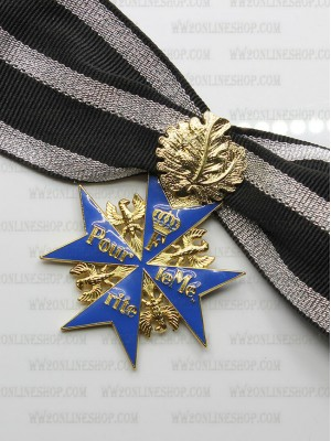 Replica of Pour le Mérite (German Blue Max) with Oakleaf (WWI Medals & Awards) for Sale (by ww2onlineshop.com)