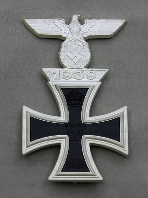 Replica of German WWI Iron Cross 1st Class with 1939 Spange (WWI Medals & Awards) for Sale (by ww2onlineshop.com)