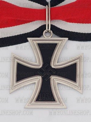 Replica of German WWII Knight Cross of the Iron Cross (WWII German Medals) for Sale (by ww2onlineshop.com)
