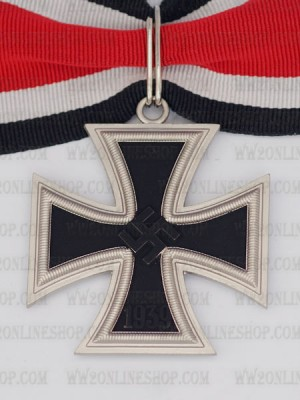 Replica of German WWII Knight Cross of the Iron Cross with LDO Box (WWII German Medals) for Sale (by ww2onlineshop.com)