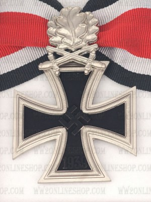 Replica of German WWII Knight Cross of the Iron Cross with Oak Leaf and LDO Box (WWII German Medals) for Sale (by ww2onlineshop.com)